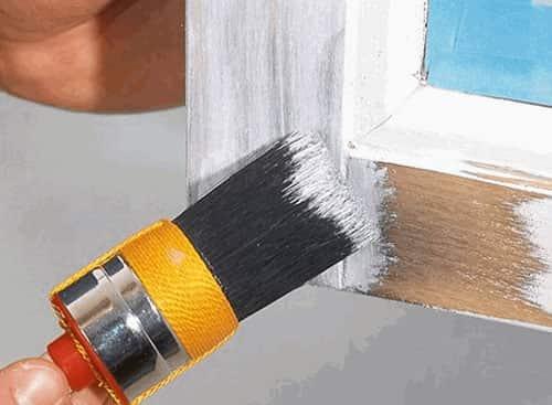 покраска деревянного окна