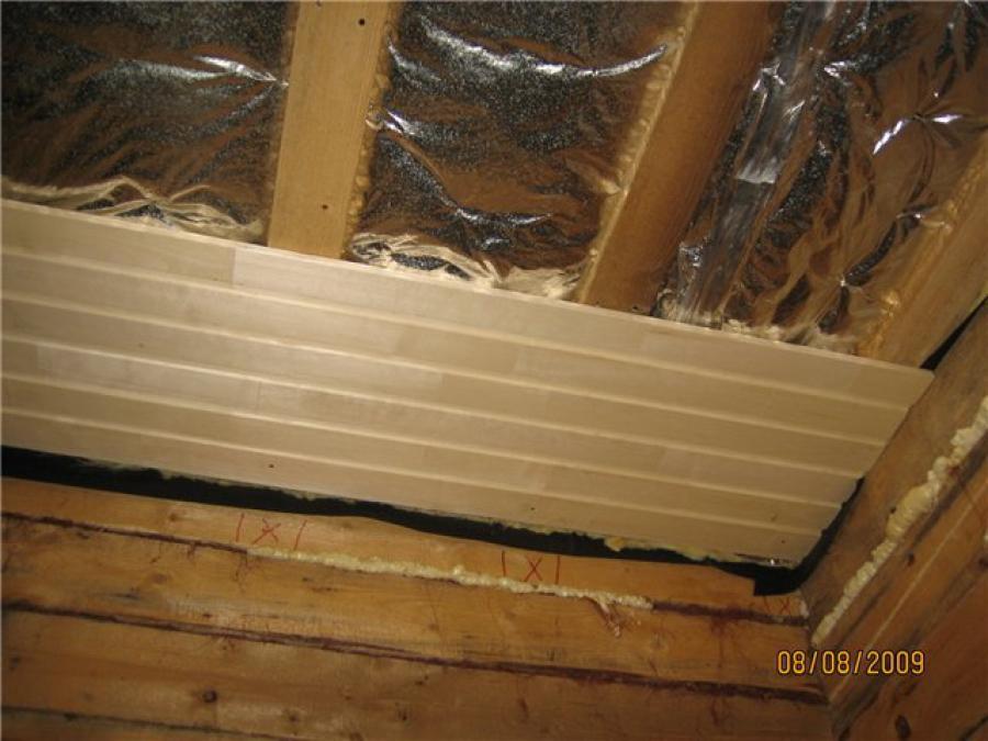 утепление потолка в бане с деревянной обрешеткой